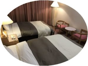 宿泊先のベッド
